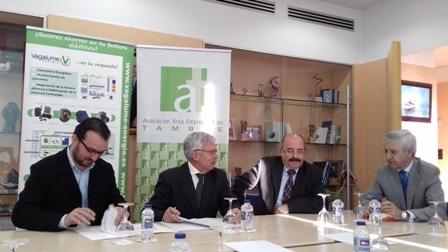 Convenio Vagalume Energia y asociación Polígono do Tambre
