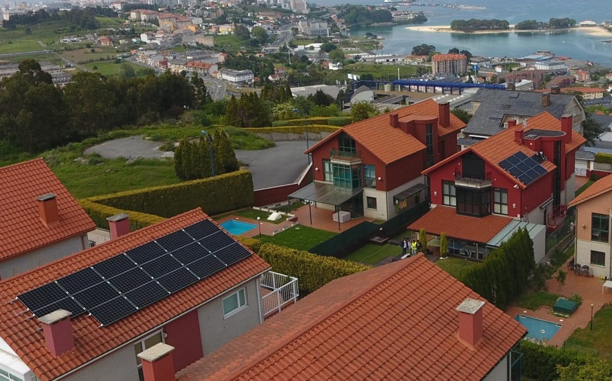 Instalación fotovoltaica particulares Vagalume Energia